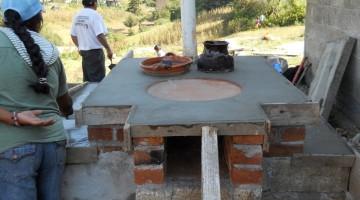 CONSTRUCCION DE ESTUFA AHORRADORA DE LEÑA