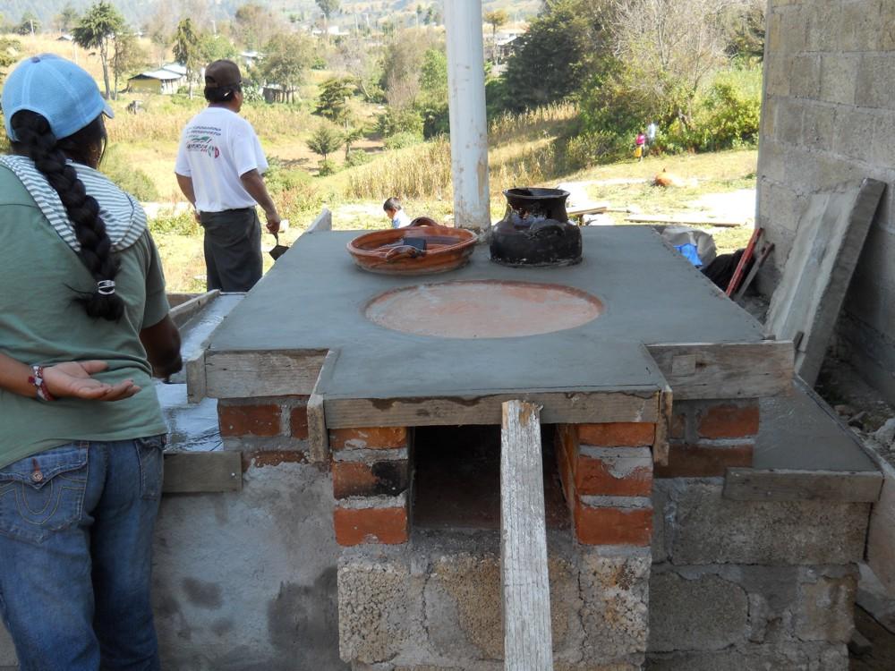 Taller de construcci n de estufas tipo lorena for Cocina ecologica de lena
